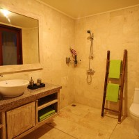 Shower-Solid-Surf-House-box-bali