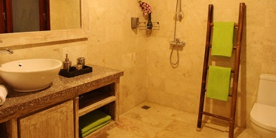 Solid-Surf-House-Shower-Bathroom-Bali