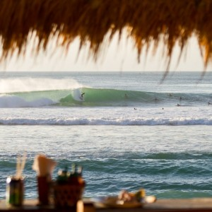 Solid Surf House - surfing