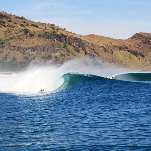 Solid Surf House - outer reef - waves - surfing - Sumbawa