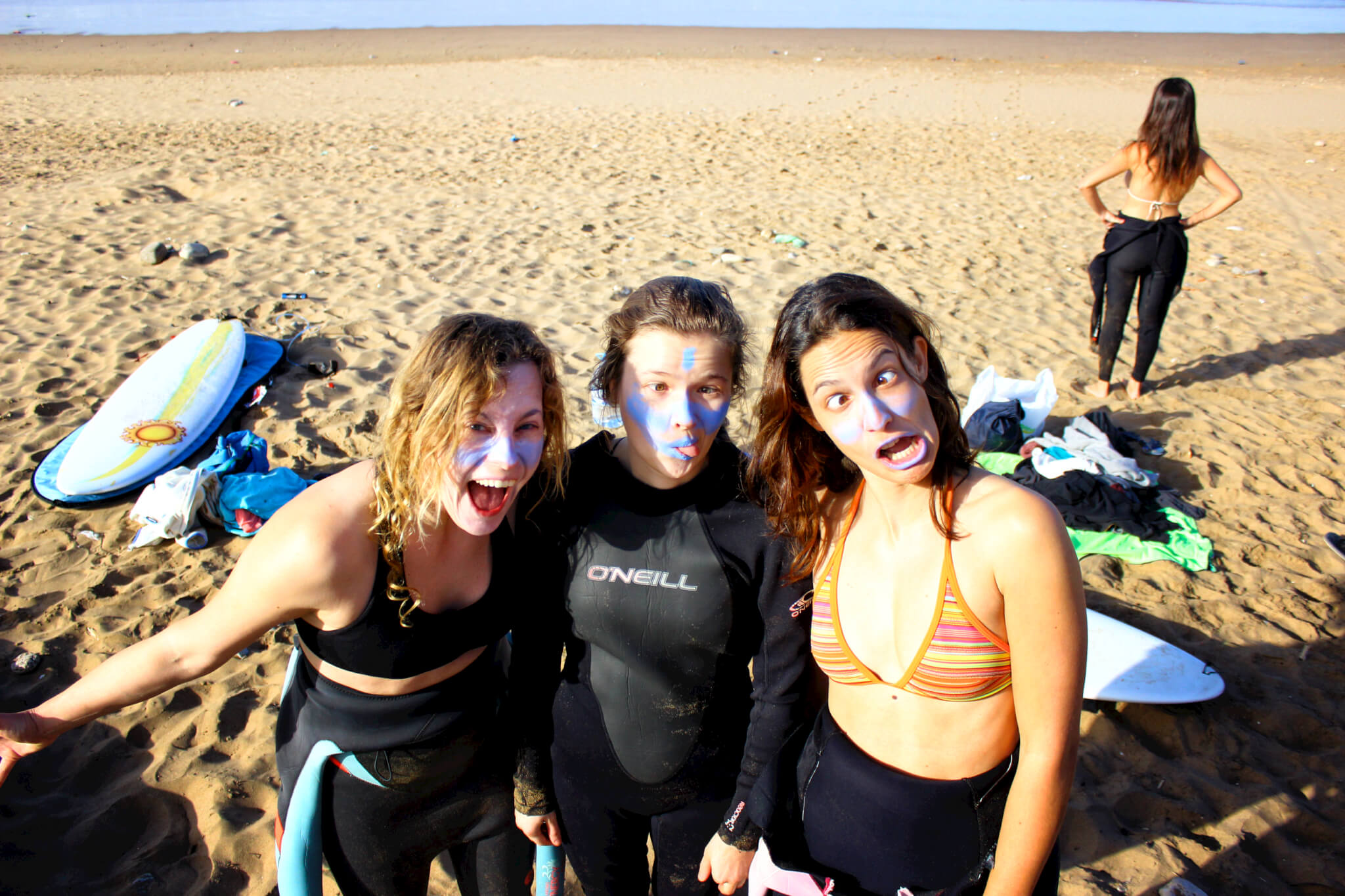 Solid Surf House - friendship - zink - fun - surfclass - beach