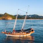Твердый дом для серфинга - Икан Тербанг - Чартерная лодка для серфинга
