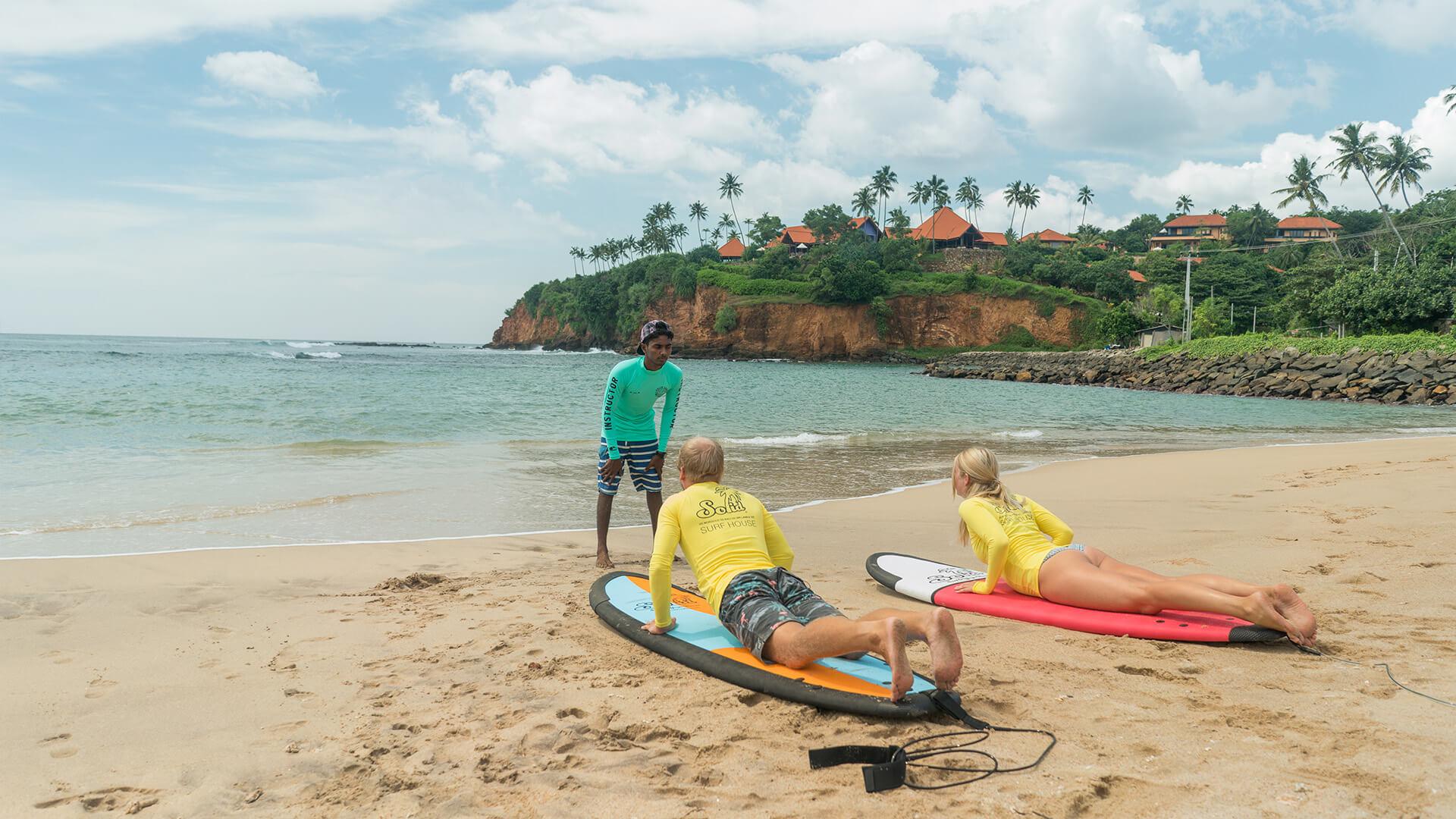 CAMPAMENTO DE SURF DE SRI LANKA